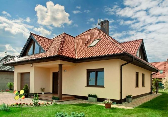 Красим кирпичный дом краской Super Decor