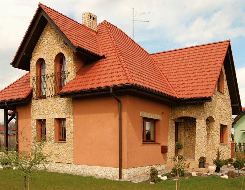 Красим дом из камня